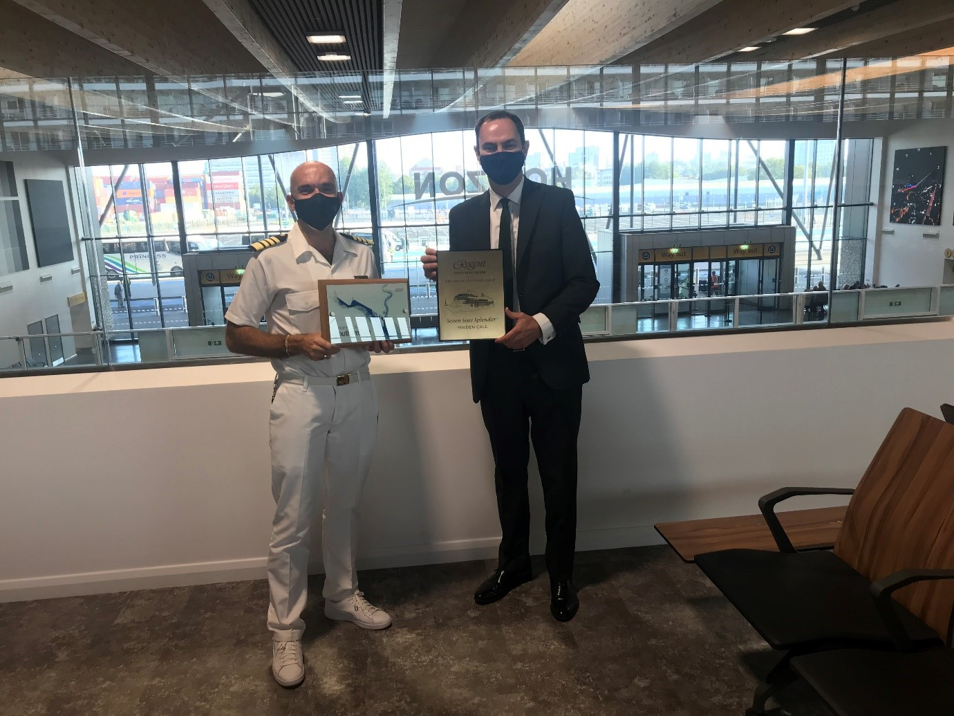 Southampton's Horizon Cruise Terminal welcomes first official call  - Captain Diego Michelozzi and Port of Southampton Director Alastair Welch exchange plaques  (September 2021)